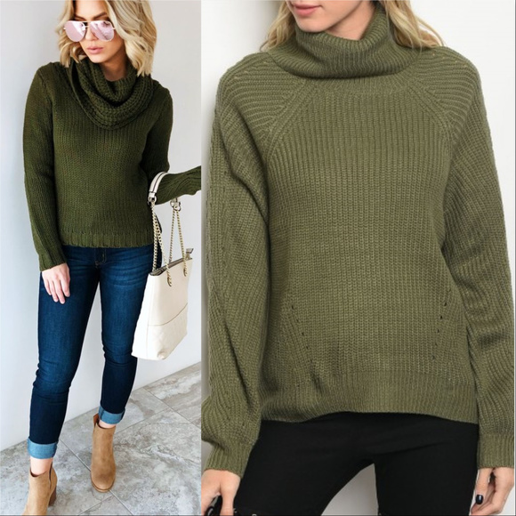 . Sweaters - OLIVE GREEN KNIT SWEATER